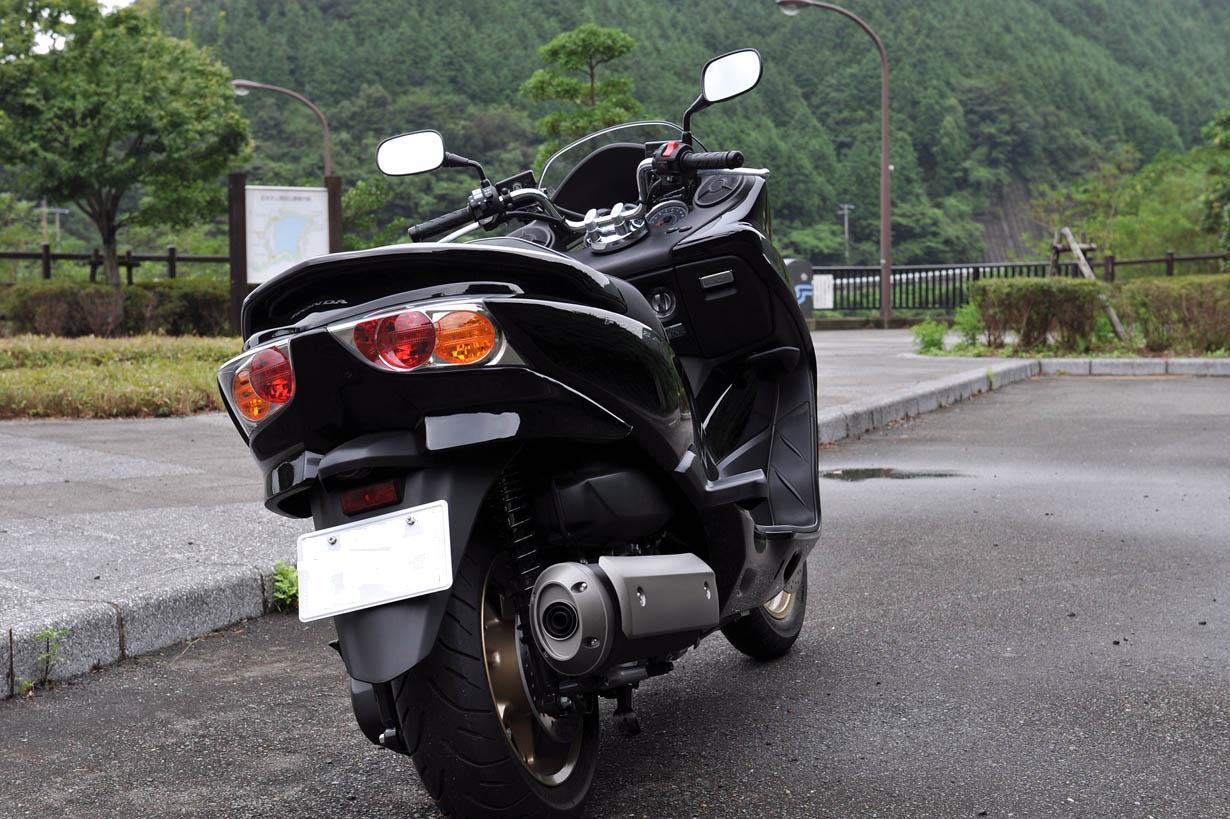 HONDA PCX & フォルツァ_f0172619_161048.jpg