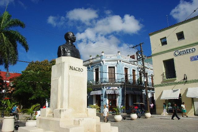 キューバ (49) 世界遺産カマグウェイ歴史地区散策 その2_c0011649_20364079.jpg