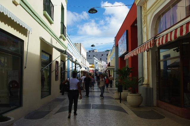 キューバ (49) 世界遺産カマグウェイ歴史地区散策 その2_c0011649_2037273.jpg