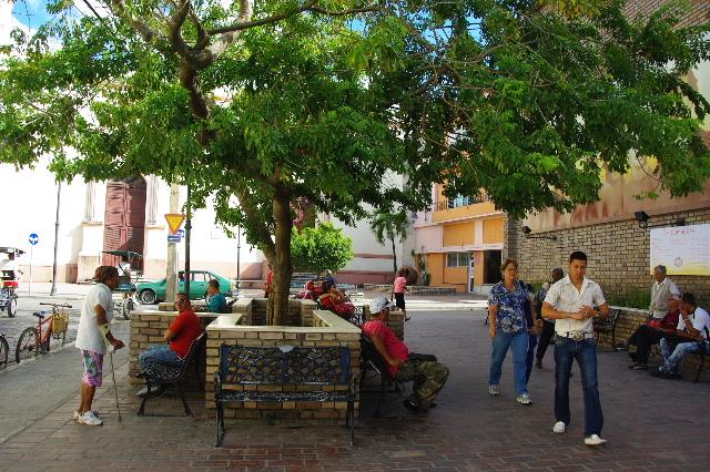キューバ (49) 世界遺産カマグウェイ歴史地区散策 その2_c0011649_2040552.jpg