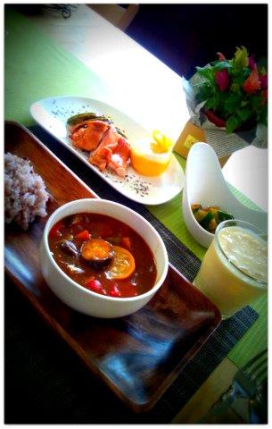 選べる夏野菜カレー!!_b0241353_1053414.jpg