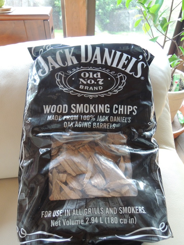 Jack Daniel\'s Wood Smoking Chips_d0025421_1738676.jpg