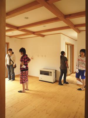 筑北の住宅 見学会が無事終了しました_e0180332_20111063.jpg