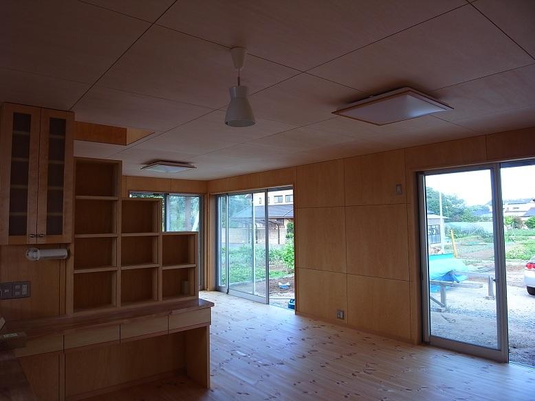 三反田の家 まもなく完成 2012/7/23_a0039934_17451276.jpg