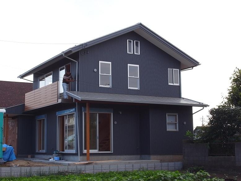 三反田の家 まもなく完成 2012/7/23_a0039934_1750893.jpg