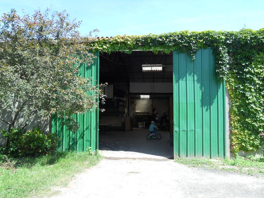 パリ郊外の農園で_a0066869_16592419.jpg