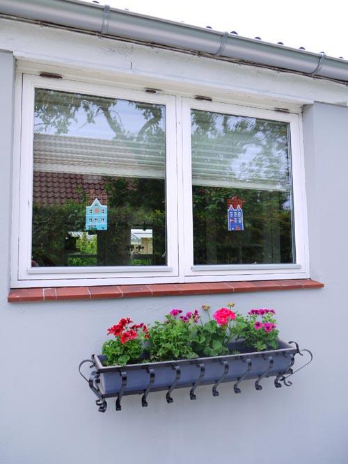 来客があるといいですね・・・・・お家がきれいになります・・花の力もすごい!!_b0137969_15103685.jpg