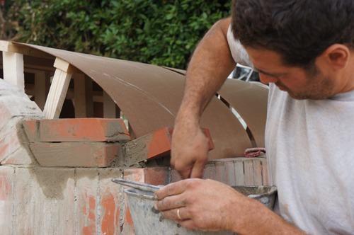 クーポラのような・・・~アントネッロの「自分で作る石窯」_f0106597_111167.jpg