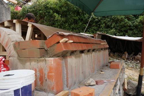 クーポラのような・・・~アントネッロの「自分で作る石窯」_f0106597_121933.jpg