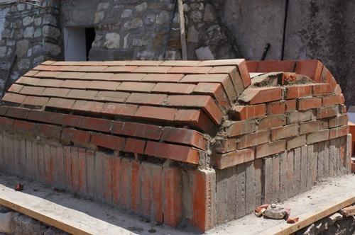 クーポラのような・・・~アントネッロの「自分で作る石窯」_f0106597_153214.jpg