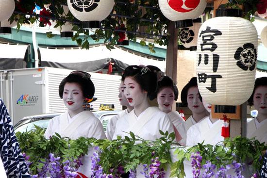 祇園祭り 花笠巡行_e0048413_21143116.jpg