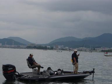第7回琵琶湖でバスフィッシングを楽しもう会 から (1)_a0153216_2311515.jpg