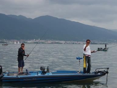 第7回琵琶湖でバスフィッシングを楽しもう会 から (1)_a0153216_2313558.jpg
