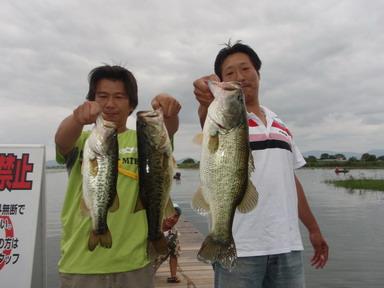 第7回琵琶湖でバスフィッシングを楽しもう会 から (1)_a0153216_23141872.jpg