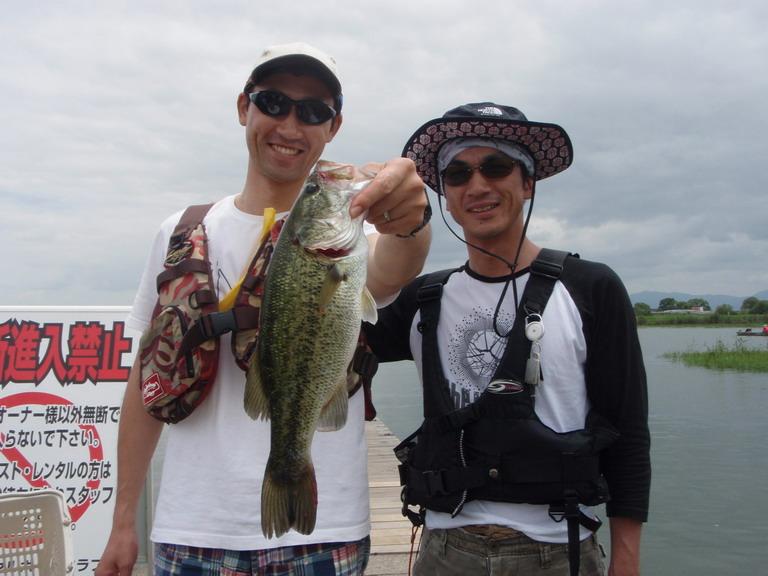 第7回琵琶湖でバスフィッシングを楽しもう会 から (1)_a0153216_23152496.jpg