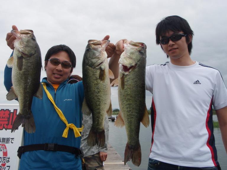第7回琵琶湖でバスフィッシングを楽しもう会 から (1)_a0153216_23153920.jpg
