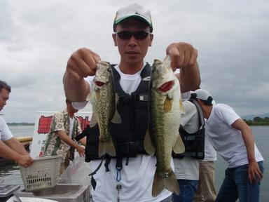 第7回琵琶湖でバスフィッシングを楽しもう会 から (1)_a0153216_23162363.jpg