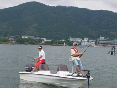 第7回琵琶湖でバスフィッシングを楽しもう会 から (1)_a0153216_2324334.jpg