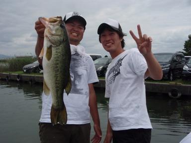 第7回琵琶湖でバスフィッシングを楽しもう会 から (1)_a0153216_2324687.jpg