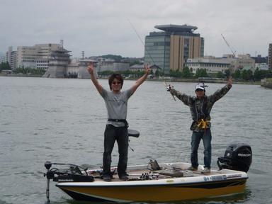 第7回琵琶湖でバスフィッシングを楽しもう会 から (1)_a0153216_2341192.jpg