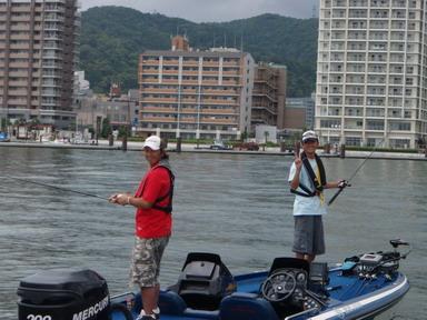第7回琵琶湖でバスフィッシングを楽しもう会 から (1)_a0153216_2342256.jpg