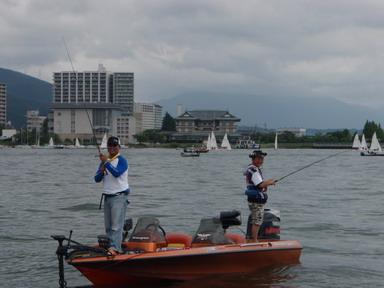 第7回琵琶湖でバスフィッシングを楽しもう会 から (1)_a0153216_2343617.jpg