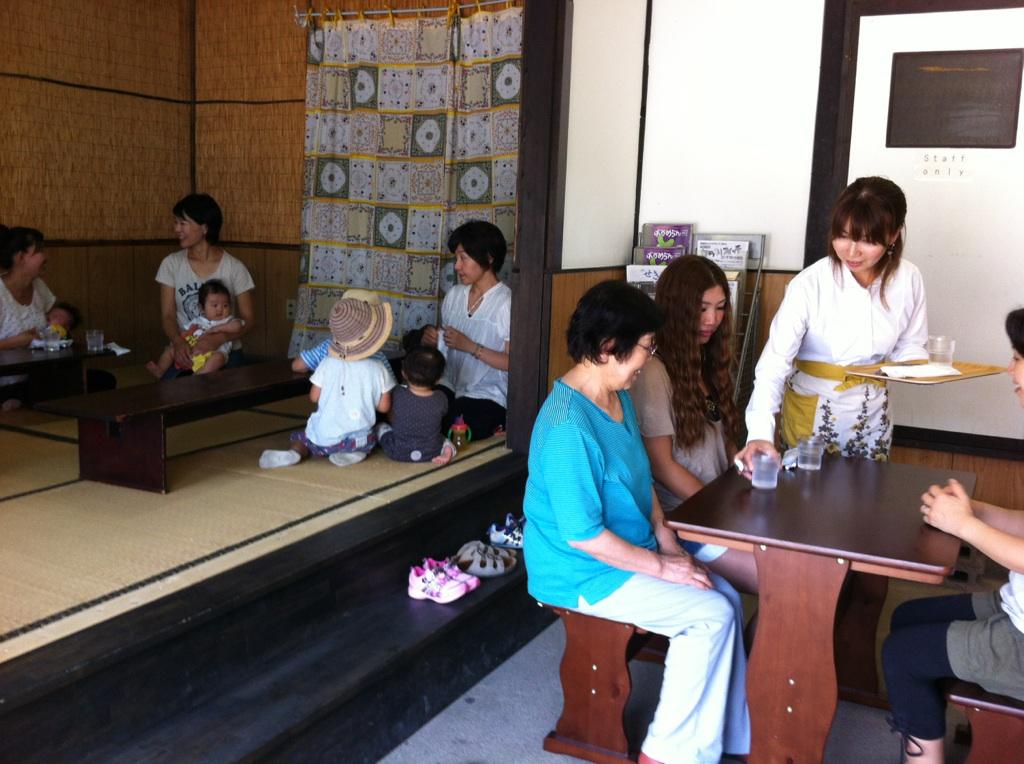 善光寺茶屋がはじまりました。_a0026530_191624.jpg