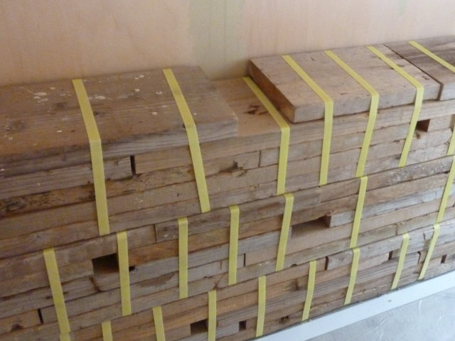 21日め〜壁作り・床の完成_e0272050_1245191.jpg