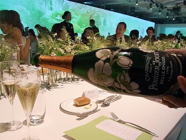 晩餐会でいただくQuintessence(カンテサンス)ディナー。_a0138976_2094352.jpg
