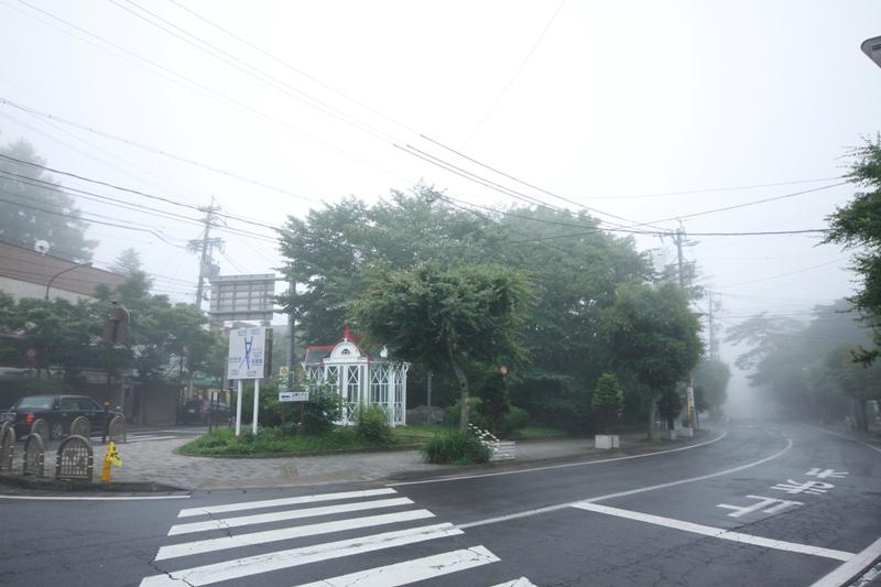旧軽井沢ロータリーで_f0091207_35386.jpg