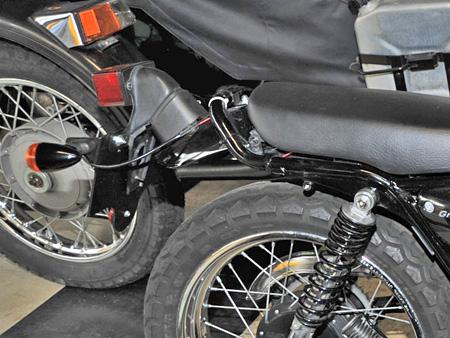 【250ccのバイクにリアキャリアとサイドバッグを取り付けました】_e0218639_0113998.jpg
