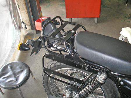 【250ccのバイクにリアキャリアとサイドバッグを取り付けました】_e0218639_0121541.jpg