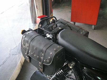 【250ccのバイクにリアキャリアとサイドバッグを取り付けました】_e0218639_0124112.jpg