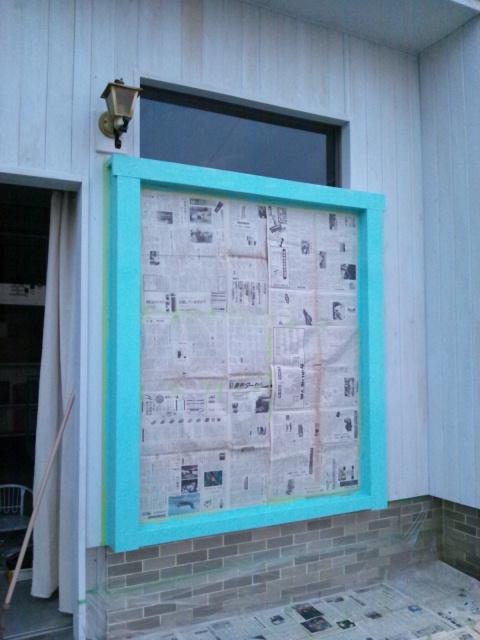 窓枠ペイントと雑貨納品_c0246783_22121470.jpg