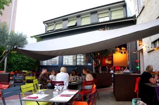 Cool Industrial Bar in Carouge  _c0201334_90215.jpg