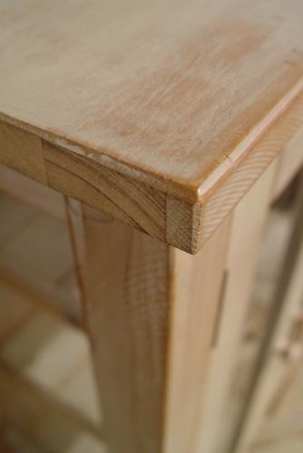 ペンキの剥げた白いガラスキャビネットと木の棚 入荷!!_a0096367_2110910.jpg