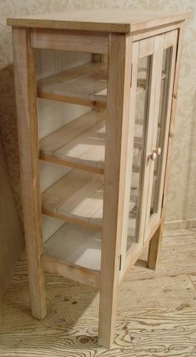 ペンキの剥げた白いガラスキャビネットと木の棚 入荷!!_a0096367_2194847.jpg
