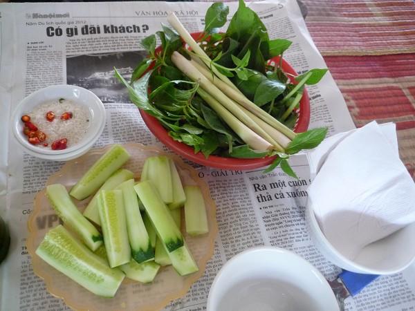 """ハノイ その4 : ハノイ名物 ニャッタンNhật Tânの Thịt Chó """"Anh tú béo""""_e0152073_120148.jpg"""
