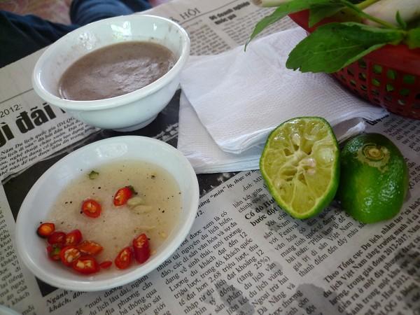 """ハノイ その4 : ハノイ名物 ニャッタンNhật Tânの Thịt Chó """"Anh tú béo""""_e0152073_1202065.jpg"""