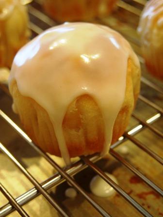 甘いパンは徹底的に甘く、しょっぱいのはほどほどで_e0167593_152298.jpg