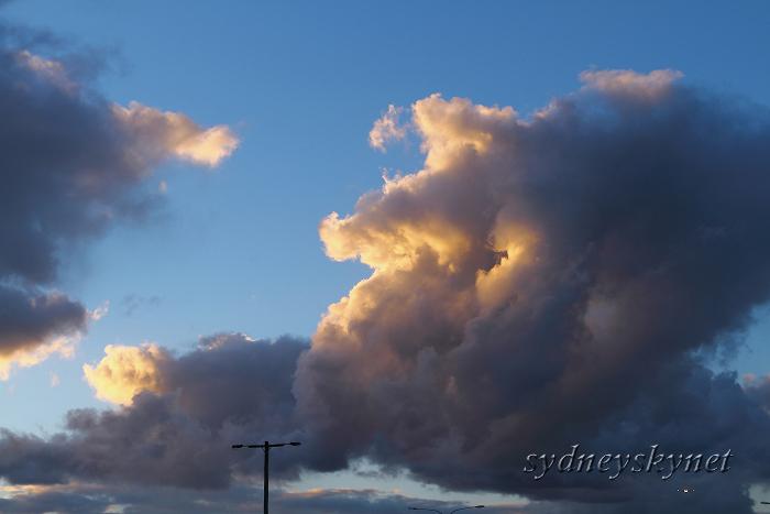 竜の雲 DRAGON CLOUD_f0084337_2053329.jpg