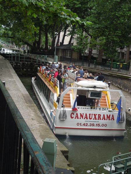 une balade pres du canal canal saint martin_a0262845_12385167.jpg
