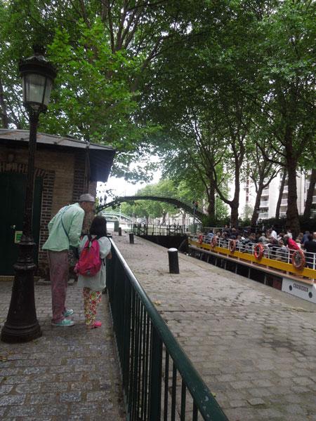 une balade pres du canal canal saint martin_a0262845_12421137.jpg