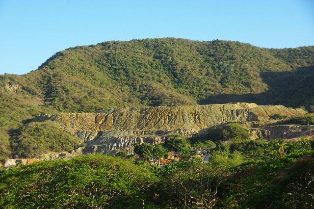 キューバ (55) サンティアゴ・デ・クーバに到着_c0011649_6303112.jpg