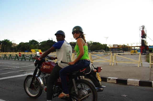 キューバ (55) サンティアゴ・デ・クーバに到着_c0011649_6561474.jpg