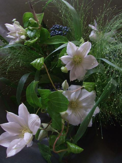 オークリ-フ(クレマチスの花束)_f0049672_17115731.jpg