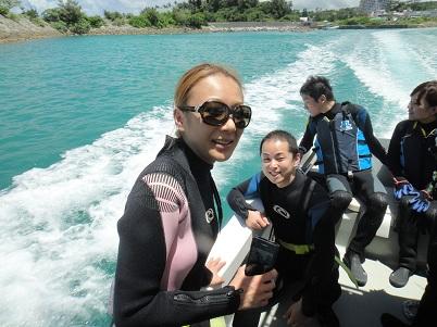沖縄の海は魚がいっぱい!!_a0156273_17181722.jpg