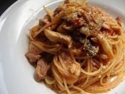 7/27本日のパスタ:鶏とキノコのトマトソース・スパゲティ_a0116684_112708.jpg