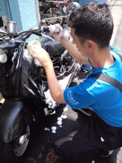 洗車中_a0165286_12325429.jpg