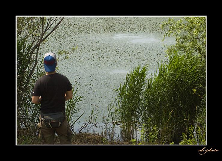 あいの里公園のトンネウス沼の釣り人_b0181889_672249.jpg